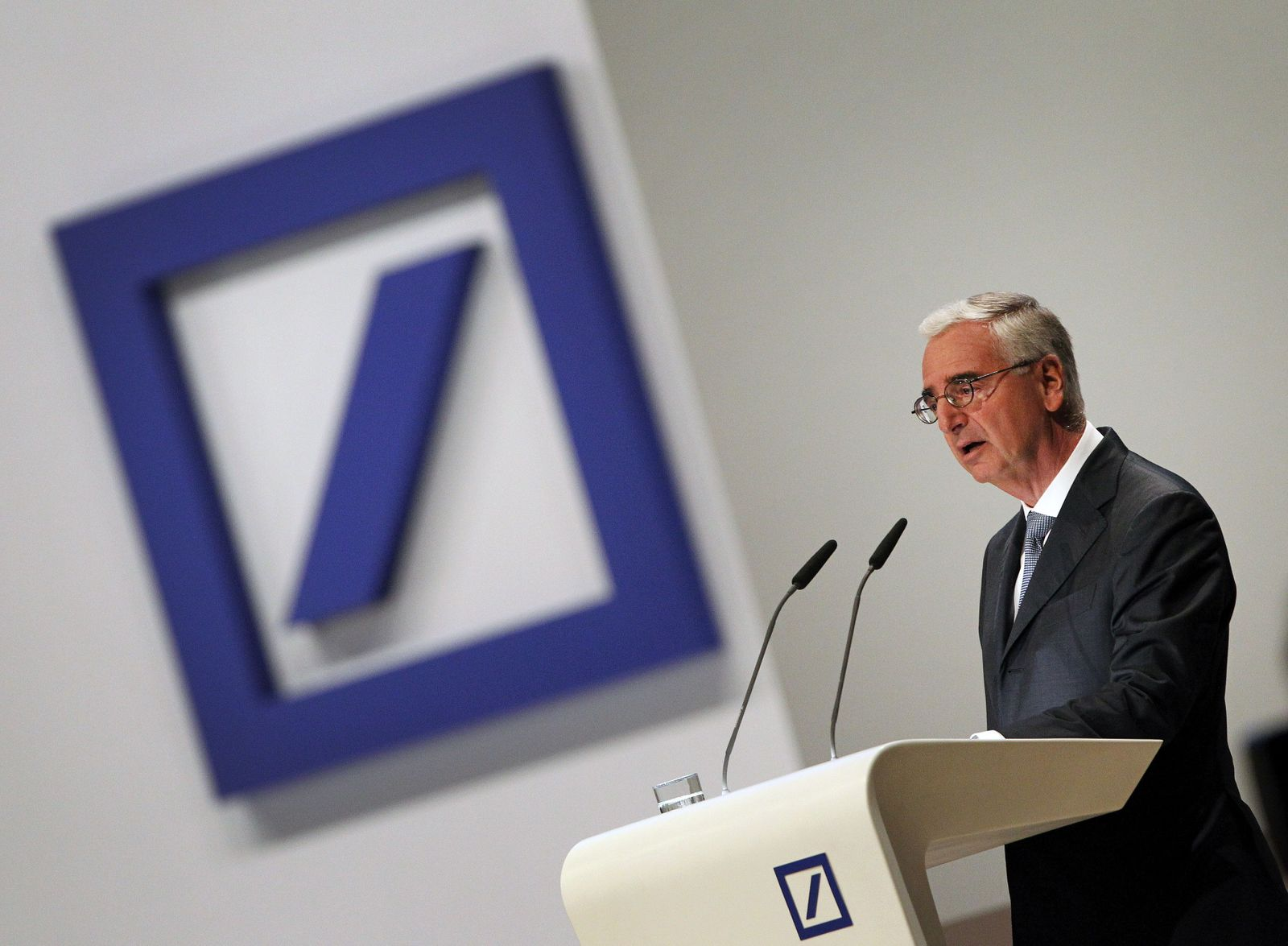 GERMANY-FINANCE-BANKING-AGM-DEUTSCHE-BANK