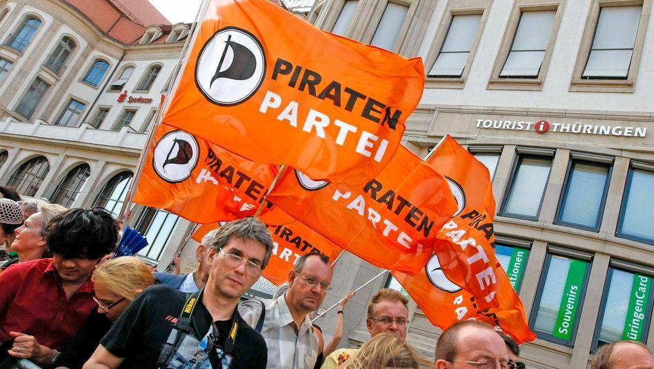 Mit wehenden Fahnen: Die Berliner Piratenpartei verliert ihren Vorsitzenden