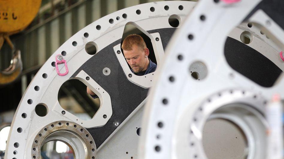 Arbeiter bei Nordex in Rostock: Industrie überrascht Experten