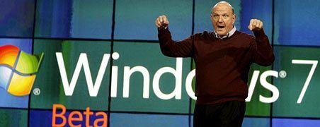 Zeigt wo's langgeht: Nämlich nach unten - Microsoftchef Steve Ballmer während einer Messe zu Beginn dieses Jahres