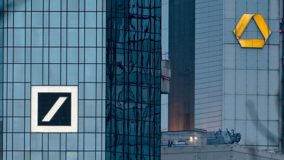 Verrechnet: Die Capital Group hat ihre Anteile an der Deutschen Bank aufgestockt, bleibt jedoch - anders als beim Konkurrenten Commerzbank - unter der meldepflichtigen Schwelle von 5 Prozent