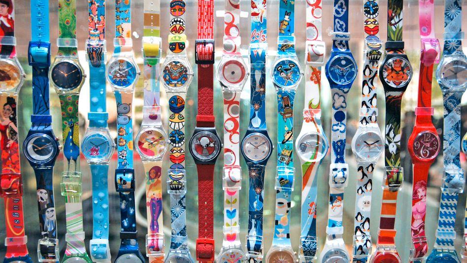 Mehr als Plastik: Die Zeiten, als Swatch lediglich billige Kunststoffuhren baute, sind längst vorbei - die Schweizer sind zum größten Uhrenkonzern der Welt aufgestiegen