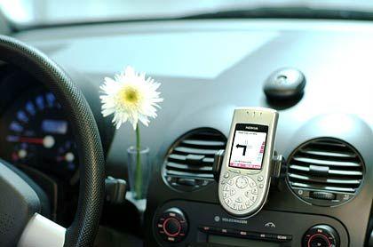 T-Mobile Navigate Blue-Kit : Das Handy weist den kürzesten oder schnellsten Weg zum Ziel - ohne festen Einbau.