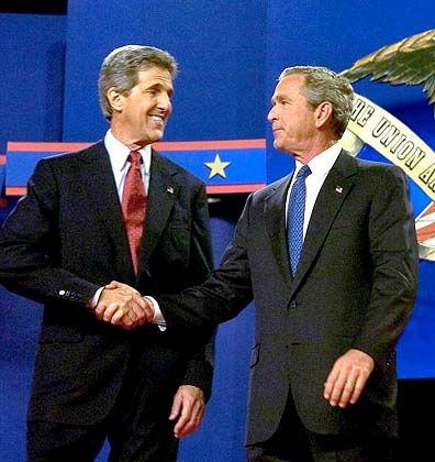 Das Duell: Die beiden Präsidentschaftskandidaten John Kerry und George W. Bush