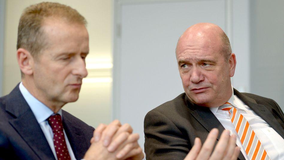 Sind schon mal sehr unterschiedlicher Meinung: VW-Chef Herbert Diess (l.) und Betriebsratsboss Bernd Osterloh.