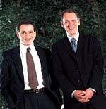 Stefan Domeyer (r.) und Vorstands-Kollege Peter White