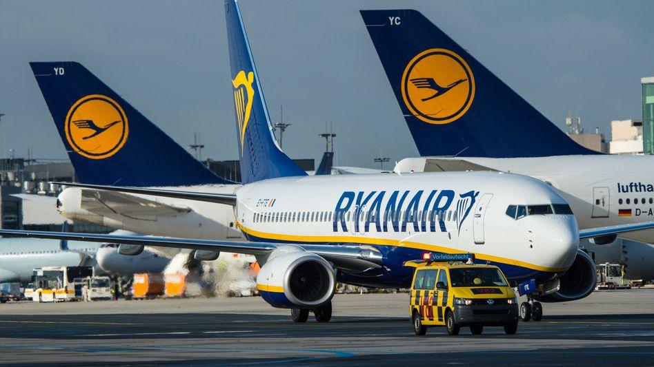 Der irische Billigflieger Ryanair hat 2019 mehr Passagiere befördert als die Lufthansa-Gruppe