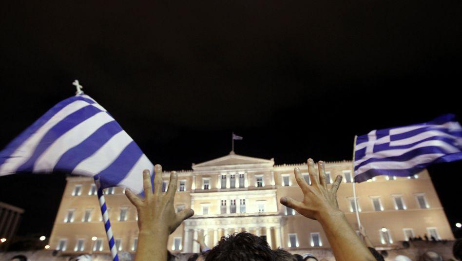 Proteste gegen den Sparkurs der Regierung in Athen: Das Land kommt mit seinen Sparbemühungen nicht schnell genug voran