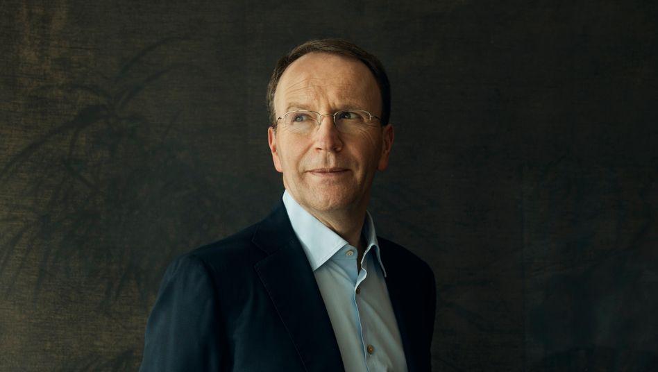 Gebeutelt und zuversichtlich: Mark Schneider (55) richtet den Lebensmittelgiganten Nestlé neu aus.