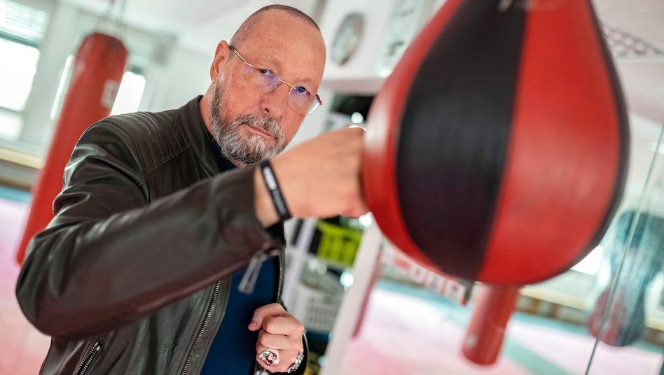 Uwe Hück: Bei Porsche warf er überraschend das Handtuch. Aktuell hofft er als Gemeinderat für die SPD in Pforzheim auf den Lucky Punch.