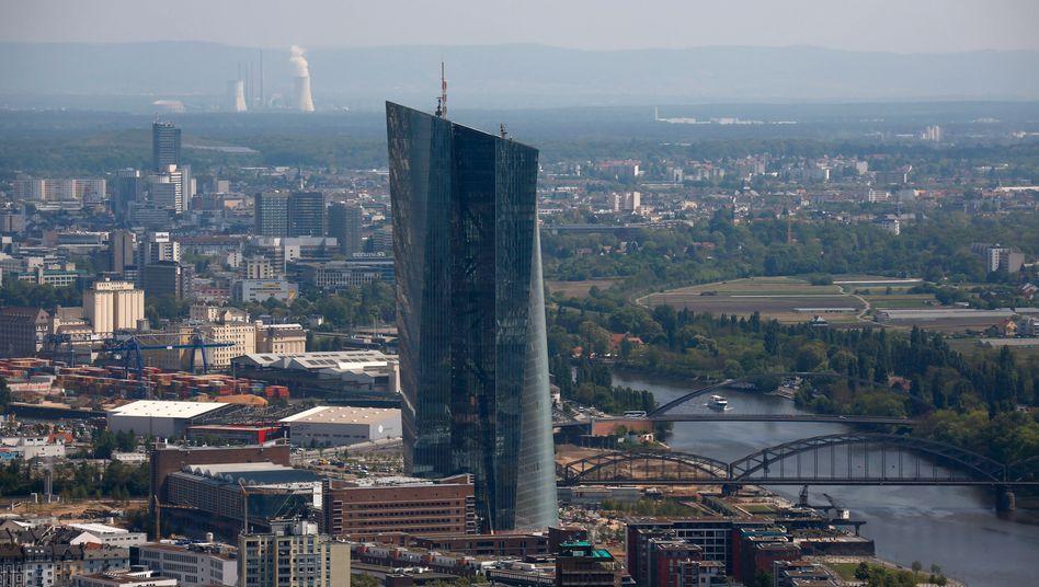 Neue EZB-Zentrale in Frankfurt: Über den Kurs der Zentralbank gibt es einen Disput