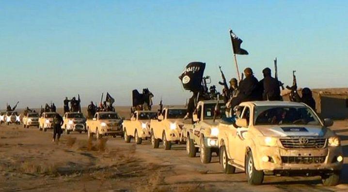 IS-Kämpfer in Syrien: Die Terrororganisation versucht scheinbar selbst, sich mit den Anschlägen von Paris in Verbindung zu bringen