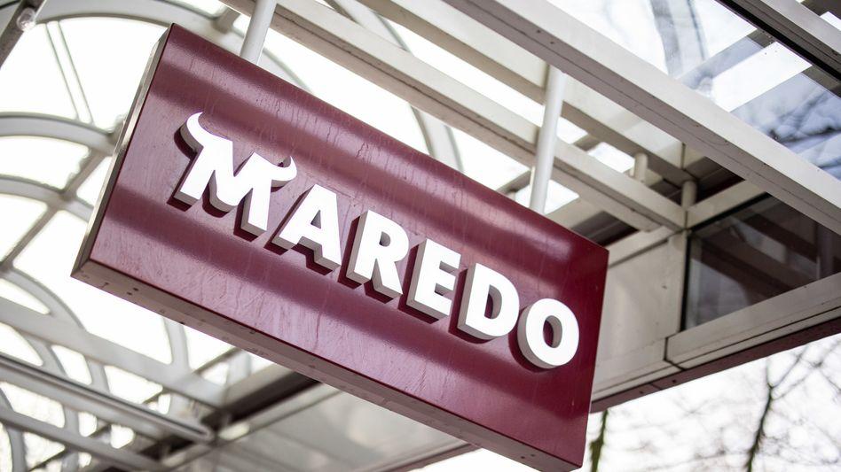Maredo-Firmenschild in Düsseldorf: Die Steakhaus-Kette hat alle Mitarbeiter entlassen