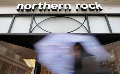 Nichts wie weg: Viele Kunden haben ihre Gelder von der Northern Rock abgezogen