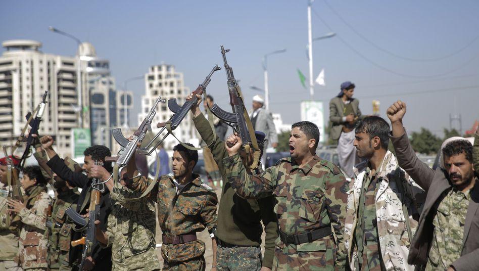 Huthi-Rebellen im Jemen: Saudi Arabien bekämpft sie indirekt, indem Riad die Gegenseite der Rebellen unterstützt
