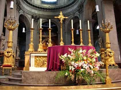 """Bisher stets im Schatten von Notre Dame: Die Kirche Saint-Sulpice wird seit dem Erscheinen von """"Sakrileg"""" häufiger von Paris-Touristen besucht als früher"""