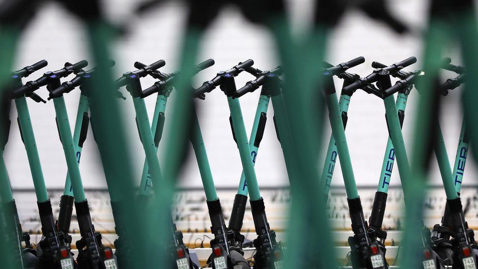 E-Scooter des Verleihers Tier: Die Branche will sich bei stärkerer Regulierung aus einigen Städten zurückziehen