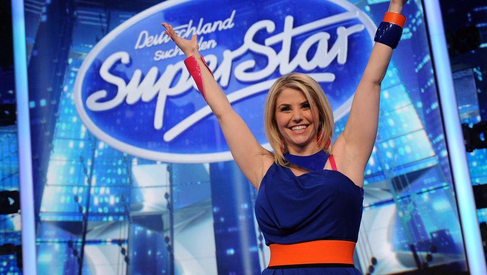 DSDS-Star Beatrice Egli auf RTL: Der TV-Gruppe des Medienkonzerns Bertelsmann steigert Umsatz und Gewinn, rechnet aber mit fallenden Werbeerlösen.