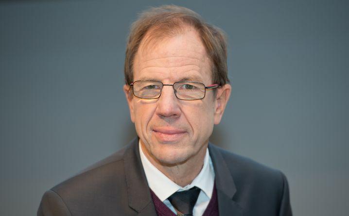 Reinhard Ploss: Der Verfahrenstechniker verbrachte sein Berufsleben im Siemens-Universum. Als die Chipsparte 1999 ausgegliedert wurde, ging er mit zu Infineon. 2007 wurde er Vorstandsmitglied, 2012 CEO.