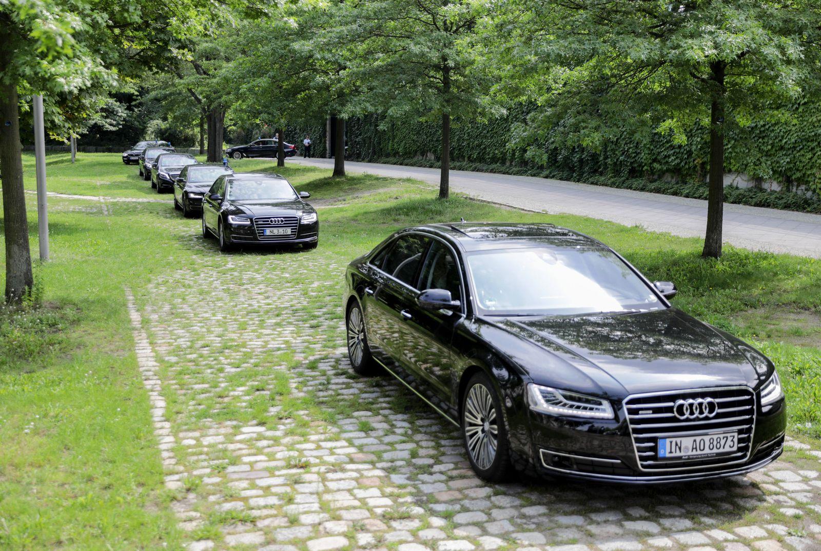 Bundesminister/ Dienstwagen