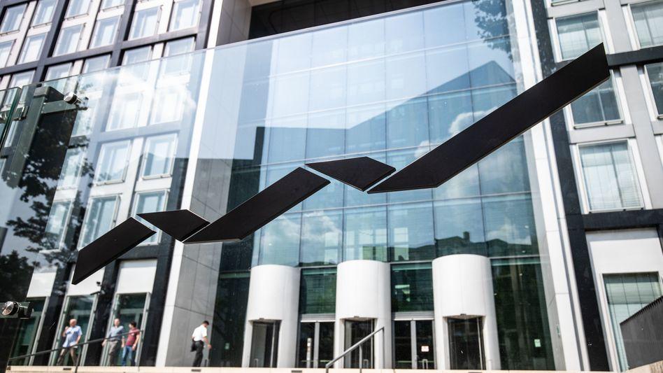Deutsche Börse in Eschborn: Trotz der Razzia in der vergangenen Woche notiert die Aktie des Börsenbetreibers auf Rekordhoch