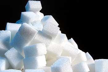Süßes Zeug bei saurer Wirtschaftslage: Die Weltmarktpreise für Zucker fallen, und mit der EU-Erweiterung wird der Wettbewerb noch härter werden.