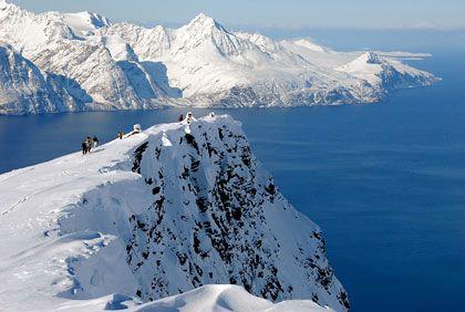 Komposition in Weiß-Bau: ie faszinierende Landschaft im Norden Norwegens zieht immer mehr Besucher an