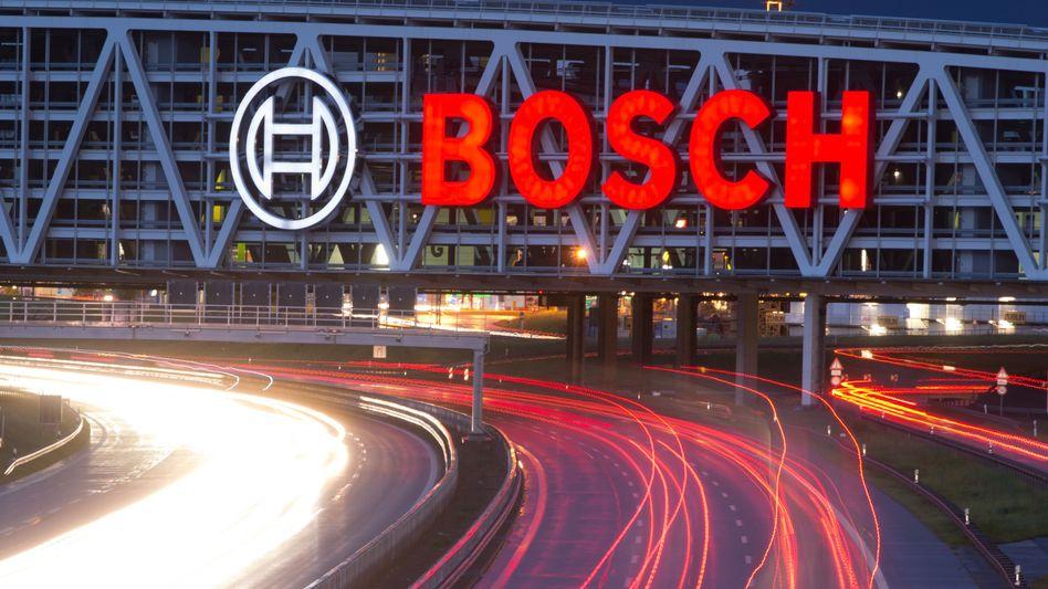 Bosch-Logo: Der Autozulieferer will zwei Milliarden Euro in den Klimaschutz investieren