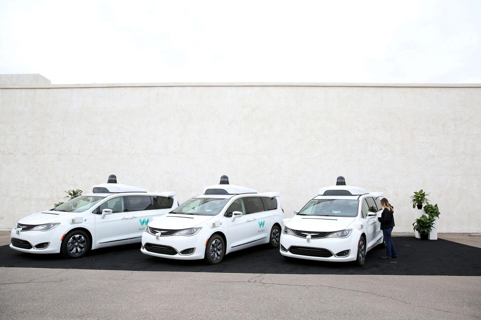 WAYMO/ selbstfahrendes Auto