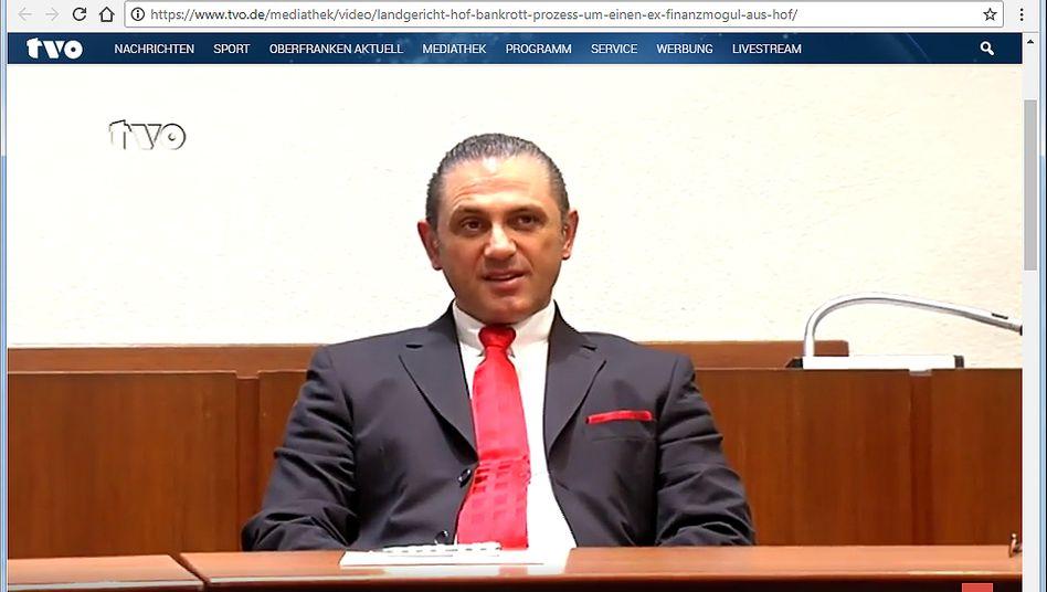 Der Graumarkt in Person: Finanzvertriebler Michael Turgut muss sich ab Freitag vor Gericht in Hof verantworten.