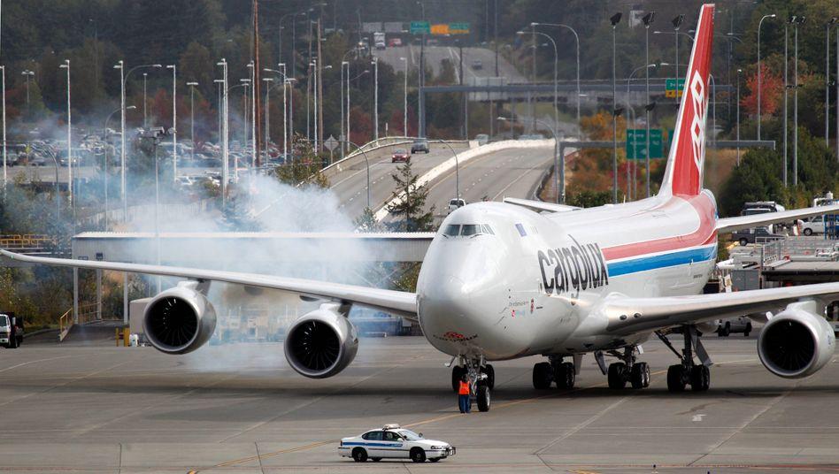 In frischen Farben: Cargolux kann die ersten 747-8 in Empfang nehmen - wenn auch mit drei Wochen Verspätung