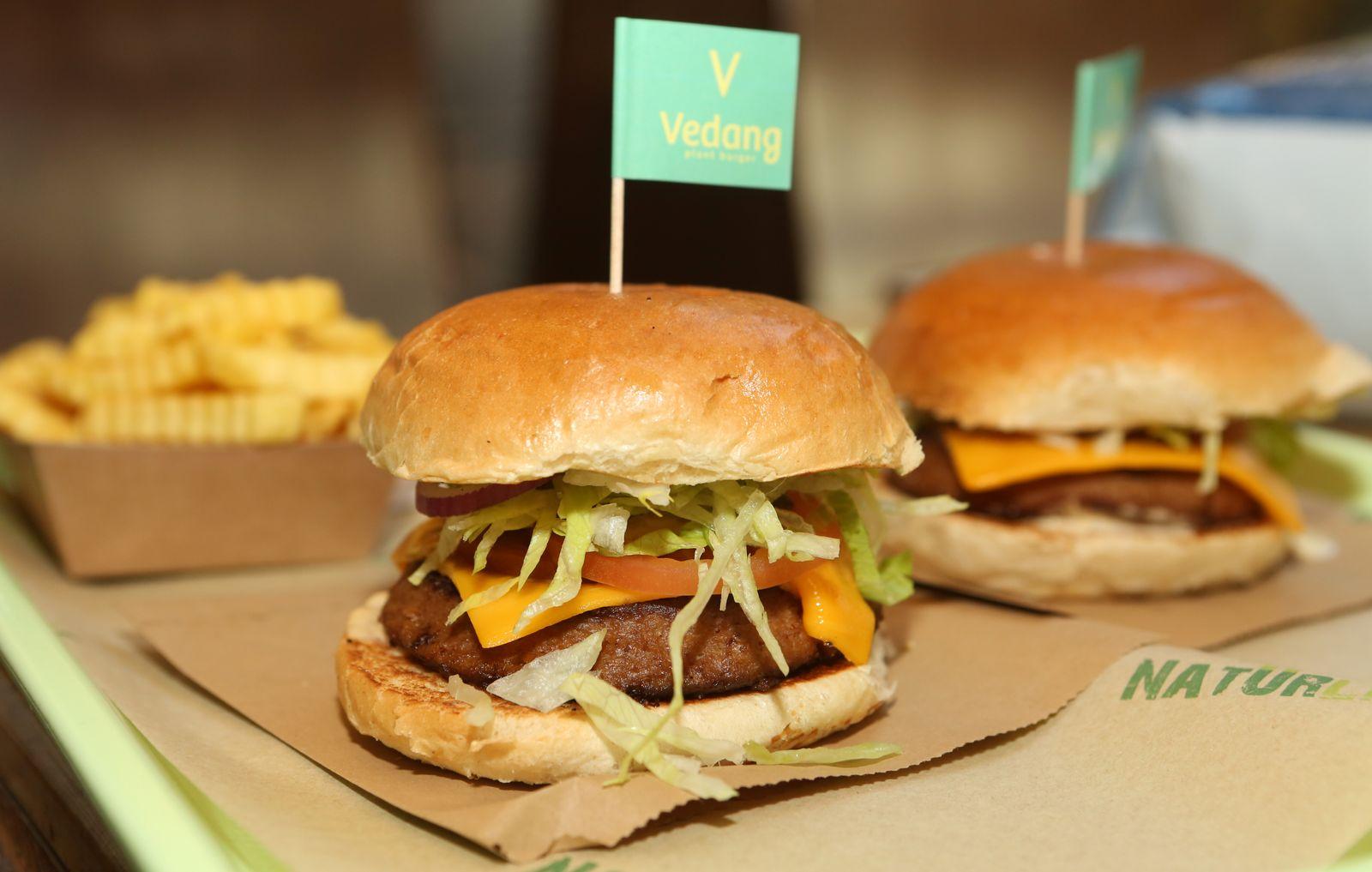 Beyond Burgers / Beyond Meat