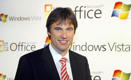 Achim Berg ist seit Februar 2007 Vorsitzender der Geschäftsführung von Microsoft Deutschland. Zuvor war der 44-Jährige Vertriebsvorstand bei der Telekom-Festnetzsparte T-Com. Auch bei Fujitsu Siemens und Dell war der Diplom-Informatiker beschäftigt.