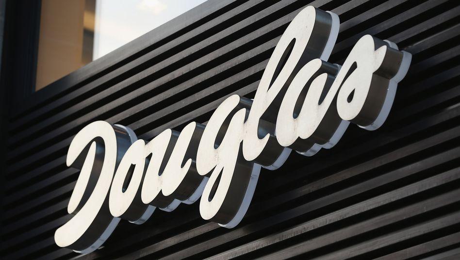 Douglas: Finanzinvestor CVC übernimmt die Anteile von Advent und damit die Mehrheit an der Handelskette. Gründerfamilie Kreke bleibt an Bord
