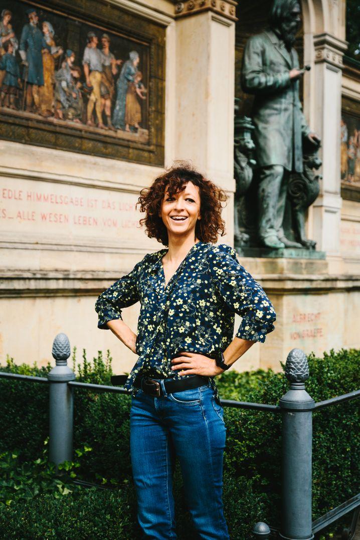 Spitzenforscherin:Emmanuelle Charpentier auf dem Campus der Berliner Charité
