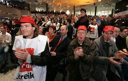 Streik in Leverkusen: Die Einigung im Tarifstreit wird auch von der Allianz mit Erleichterung aufgenommen