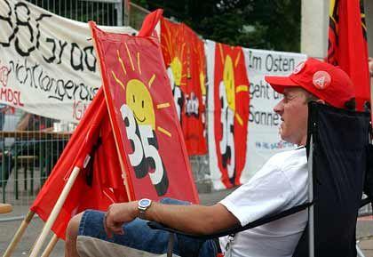 Kein Rückzieher der Gewerkschaft: Streikposten bei ZF Brandenburg