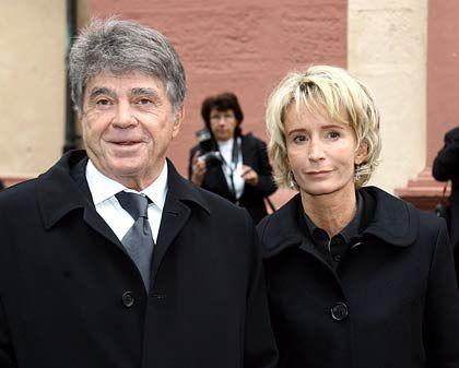 Bewegender Abschied von Aenne Burda: Sohn Frieder Burda hier mit seiner Frau auf der Trauerfeier