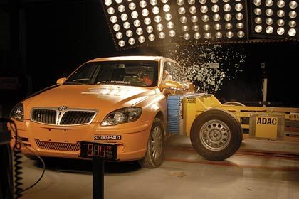 Im Crashtest des ADAC: Brilliance-Modell BS4