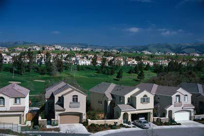 US-Häuser: Die synthetischen CDOs bilden Gruppen von Wohnhypotheken ab und ermöglichen so Wetten auf Einnahmen der Gläubiger oder Zahlungsausfälle der Schuldner