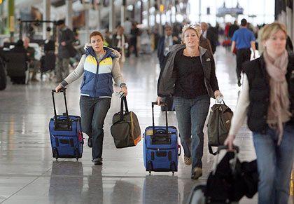 Hektik nach Chaos: Eilige Passagiere im Terminal 5