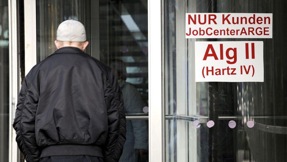 Agentur für Arbeit: Anschwellende Sanktionen