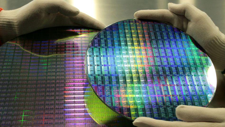 Begehrte Ware: Siliziumwafer sind das Rohmaterial der heiß laufenden Chipindustrie
