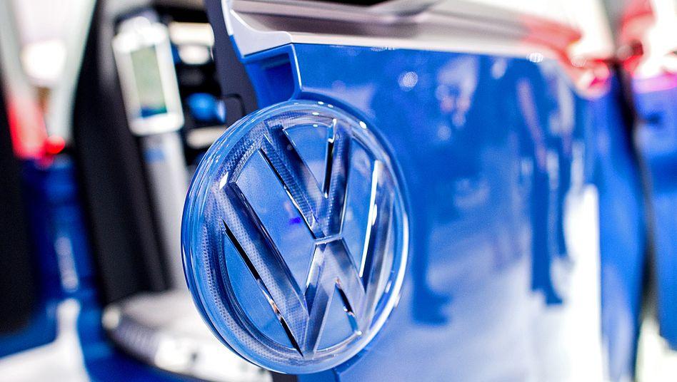 Volkswagen-Händler Wichert in Schwierigkeiten: Einer der größten Autohändler in Norddeutschland mit 1400 Beschäftigten hat Insolvenz beantragt. Wichert ist in den vergangenen Jahren stark gewachsen und hat nach Presseberichten in seine Expansion zweistellige Millionenbeträge investiert.
