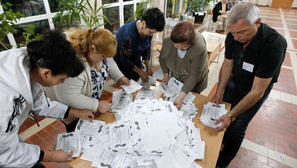 Wahlhelfer in Luhansk: Angeblich überwältigende Zustimmung für Abspaltung