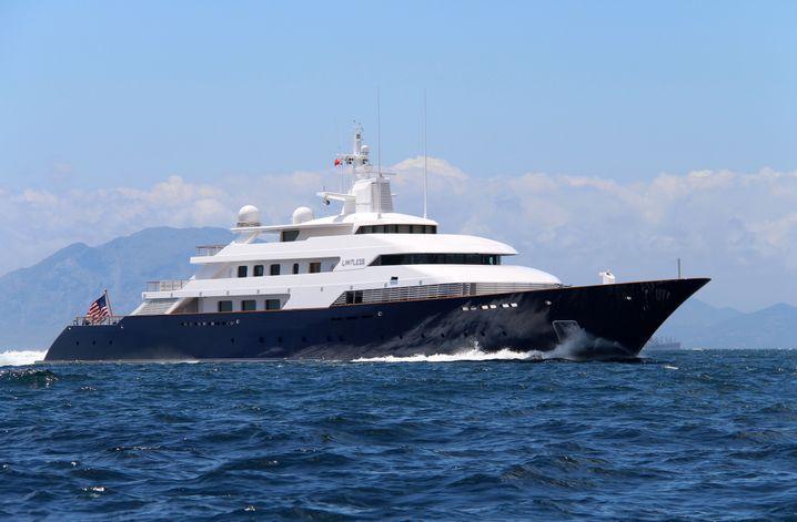 Limitless: Die Motoryacht von Leslie Wexner ist 96,25 Meter lang - und war von 1997 an sechs Jahre lang die größte Yacht der Welt