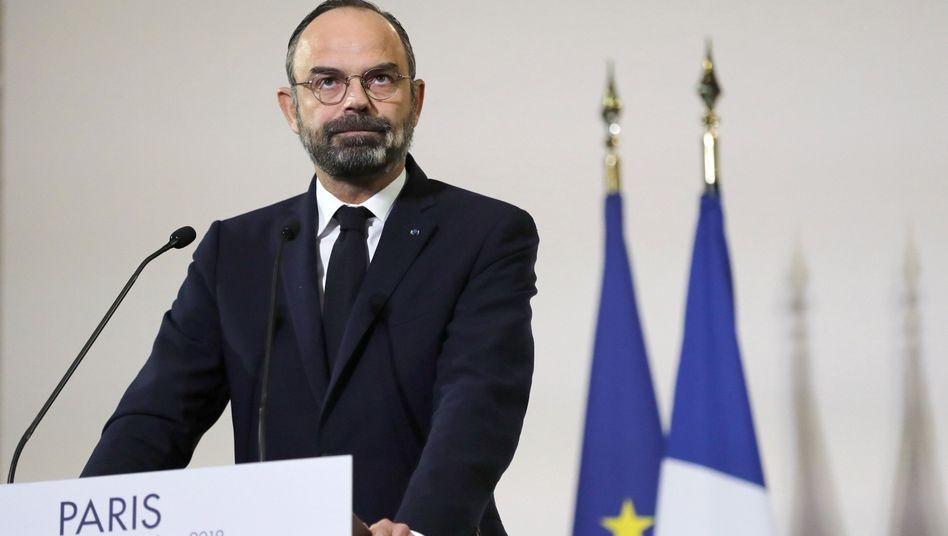 Frankreichs Premier Edouard Philippe hat eine gegenüber bislang bekannten Informationen abgespeckte Rentenreform vorgestellt. Dennoch haben Gewerkschaften angekündigt ...