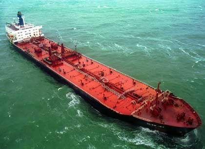 Schweres Gefährt: Norwegens Ölmilliarden haben den Pensionsfonds zum größten Finanz-Tanker gemacht