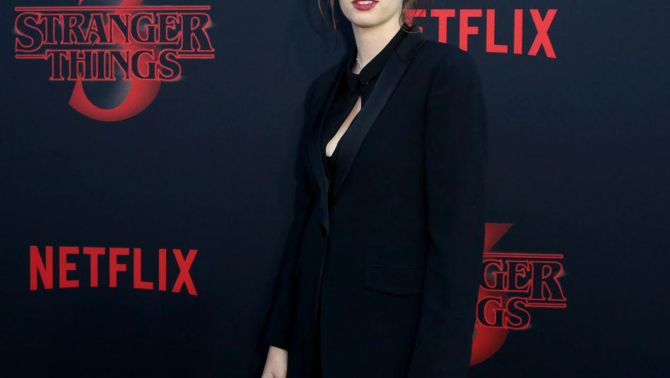 """""""Stranger-Things""""-Star Maya Hawke: Die Schauspielerin spielt in der Netflix-Serie eine schlagfertige Eisverkäuferin"""