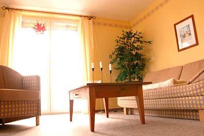Wohnlich, behaglich: Wohnzimmer der Ferienhäuser